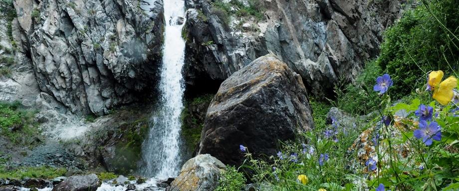 Alamedin gorge