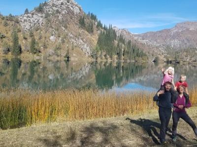Trekking with children by foot