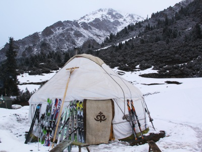 Issyk Kul area ski tour + stay in yurt camp